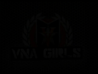 Порно видео с молодой брюнетки