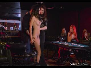 Смотреть порно ретро лесбиянок, которые любят ебаться на вечеринке