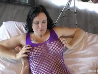 Секс видео бесплатно без регистрации - девушка сосет член